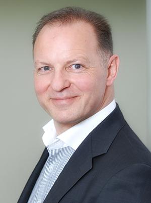 Rainer Ott Vorstand Ott Investment AG Schlüsselfeld Mit Immobilien Geld verdienen